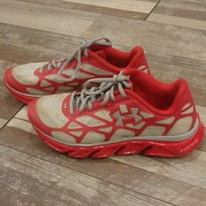 Under Armour Spine Shoes Size 7.5